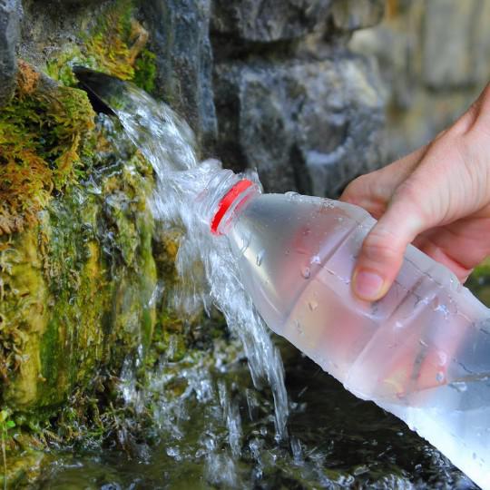 Laboratório de análise de água em contagem mg